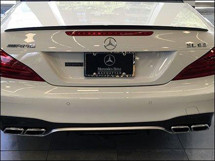 Mercedes Benz Manhattan Branded License Plate Frame – Fixtures Close Up