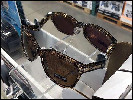 cb81e9a8dd Signature Branded Sunglass Try-Me Mirror – Fixtures Close Up