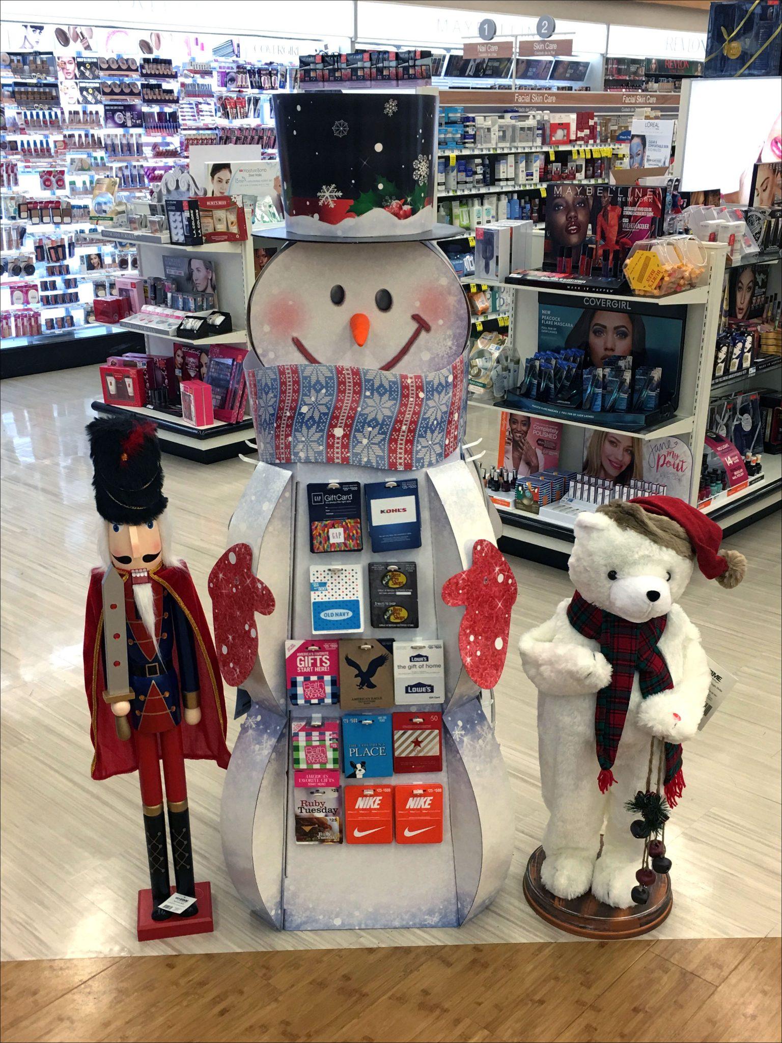 Snowman Display Gift Card Assortment – Fixtures Close Up